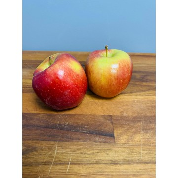 Apples- Braeburn (each)